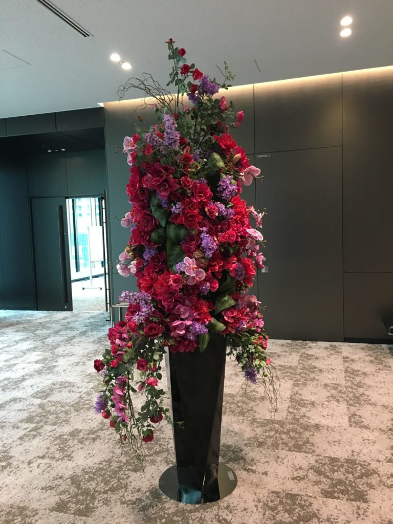 研修会場の花